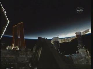[STS-131 / ISS19A] Discovery : déroulement de la mission - Page 23 Vlcsn243