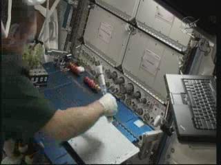La science à bord de l'ISS - Page 6 Vlcsn322