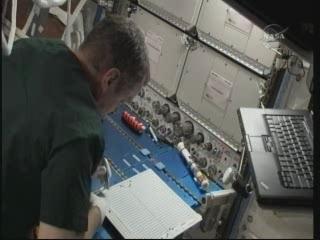 La science à bord de l'ISS - Page 6 Vlcsn323