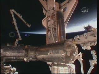 [STS-132] Atlantis : fil dédié à la mission - Page 5 Vlcsn358