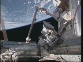 [STS-132] Atlantis : fil dédié à la mission - Page 6 Vlcsn372