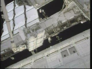 [STS-132] Atlantis : fil dédié à la mission - Page 6 Vlcsn375