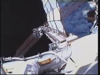 [STS-132] Atlantis : EVA 1, Reisman et Bowen. - Page 2 Vlcsn386