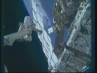 [STS-132] Atlantis : EVA 1, Reisman et Bowen. - Page 2 Vlcsn387