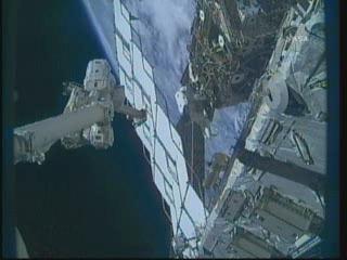 [STS-132] Atlantis : EVA 1, Reisman et Bowen. - Page 2 Vlcsn389
