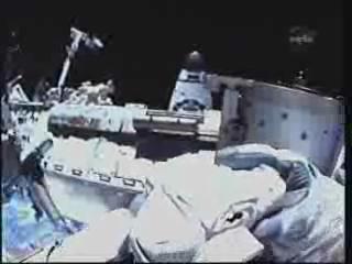 [STS-132] Atlantis : EVA 1, Reisman et Bowen. - Page 2 Vlcsn408
