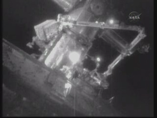[STS-131 / ISS19A] Discovery : EVA 2 Anderson & Mastracchio - Page 3 Vlcsna10