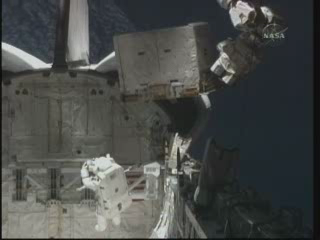 [STS-131] Discovery : EVA 3 Anderson & Mastracchio Vlcsna57