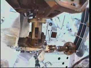 [STS-131] Discovery : EVA 3 Anderson & Mastracchio Vlcsna63