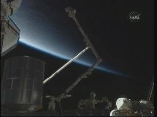 [STS-131] Discovery : EVA 3 Anderson & Mastracchio Vlcsna71