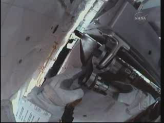 [STS-131] Discovery : EVA 3 Anderson & Mastracchio Vlcsna92