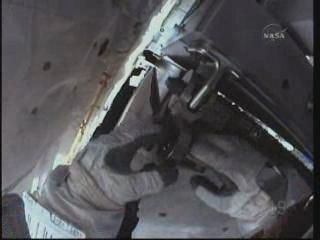 [STS-131] Discovery : EVA 3 Anderson & Mastracchio Vlcsna93