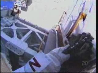 [STS-131] Discovery : EVA 3 Anderson & Mastracchio Vlcsna95