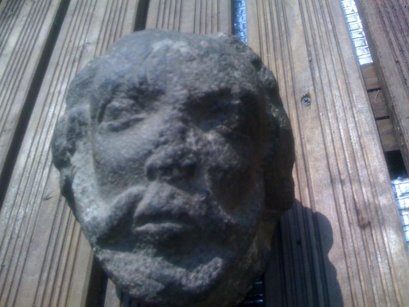 Une tête étrange. Img_0111