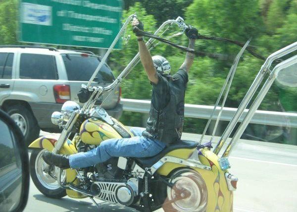 No limit à l'imagination pour les motos, Humour of course! - Page 4 Harley11