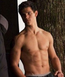 TAYLOR LAUTNER SICK OF SHOWING OFF ABS! 297810