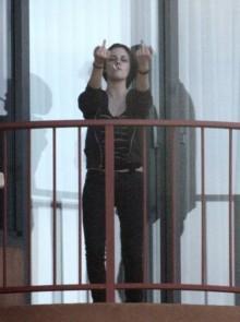 Kristen Stewart Being Imp0lite.. 298210