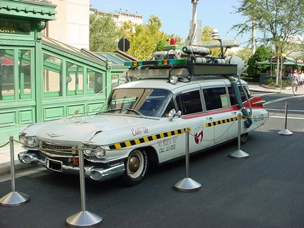Le auto e le moto più famose nella TV N3208210