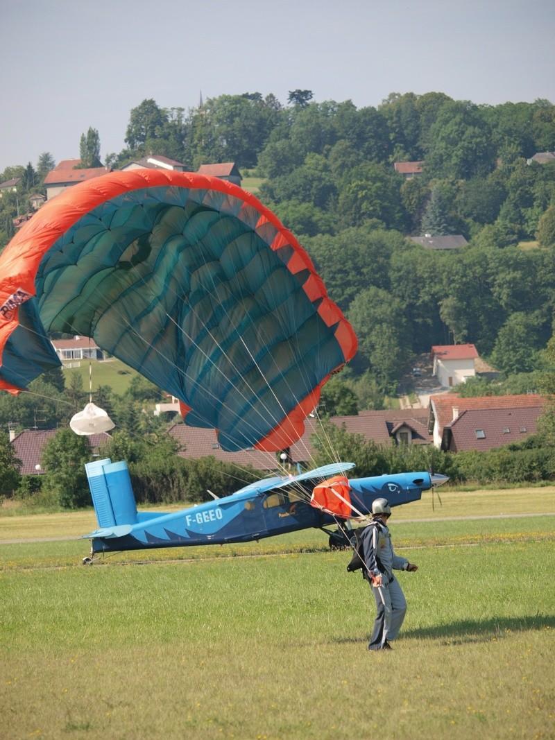 parachute et pilatus P6273812