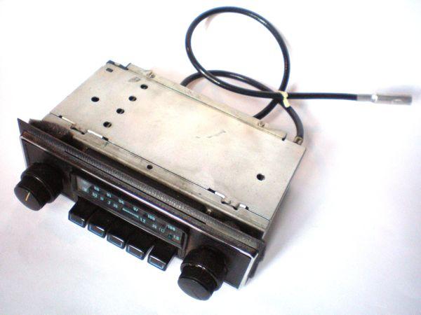 Autoradio retro' elettronica moderna!!!! Pb240010
