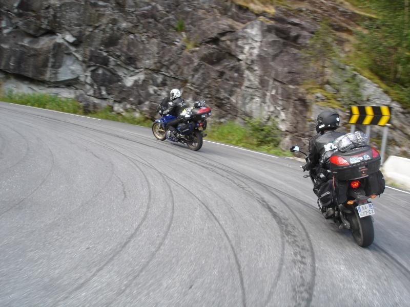 Vos plus belles photos de moto - Page 2 Dsc02810