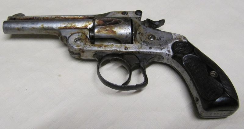 Quelques trouvailles (suite) Pistol12