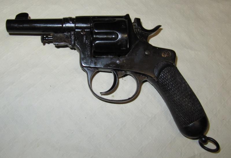 Quelques trouvailles (suite) Pistol16
