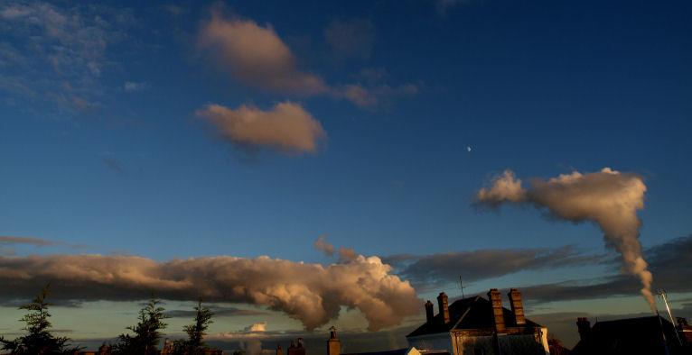 Drôles de nuages.. 02mod10
