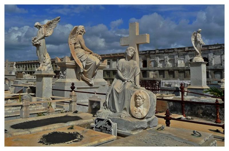 FIL ROUGE : Les sculptures - Page 2 P1000911