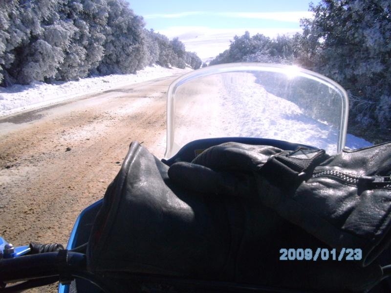 Vos plus belles photos de moto - Page 2 Bild0615
