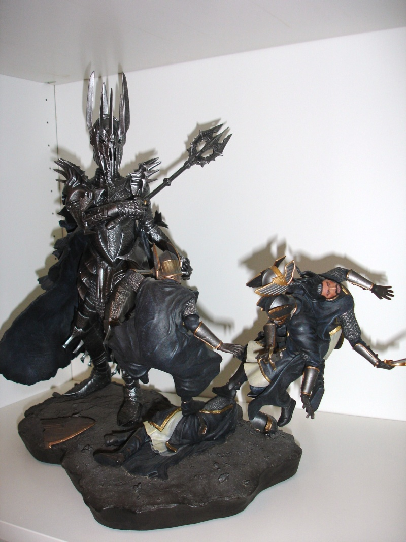 CUSTOM d'un diorama , Sauron VS the numenorean army  de chez sideshow. Dsc01011