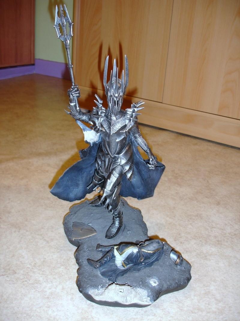 CUSTOM d'un diorama , Sauron VS the numenorean army  de chez sideshow. Dsc01130