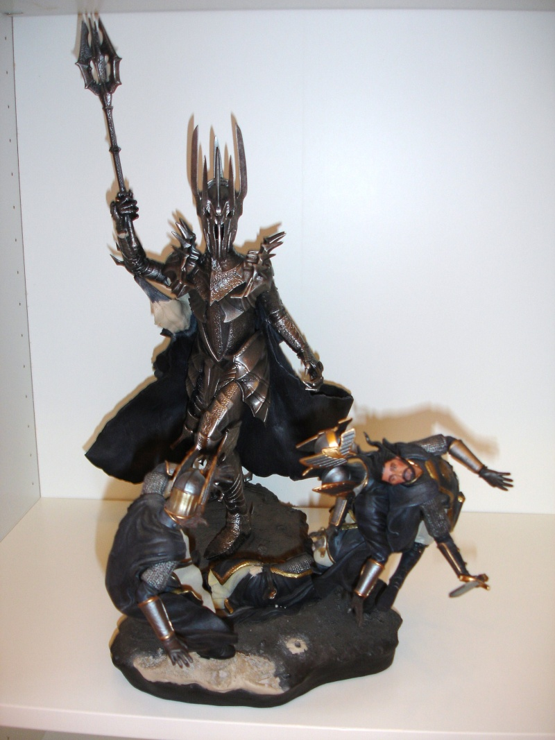 CUSTOM d'un diorama , Sauron VS the numenorean army  de chez sideshow. Dsc01140