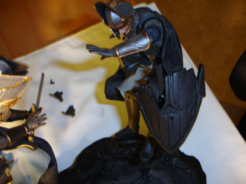 CUSTOM d'un diorama , Sauron VS the numenorean army  de chez sideshow. Dsc01160