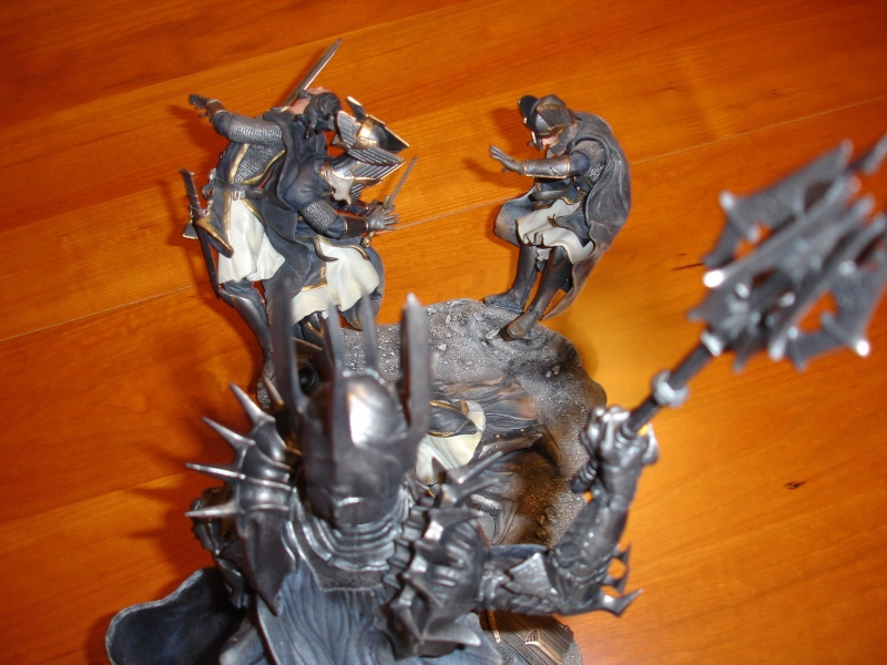 CUSTOM d'un diorama , Sauron VS the numenorean army  de chez sideshow. Dsc01172