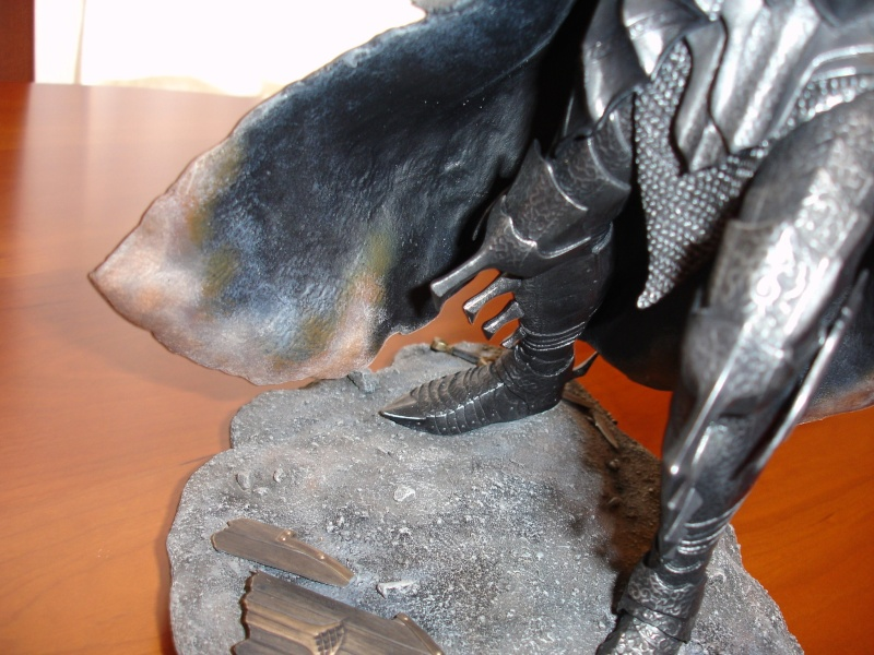 CUSTOM d'un diorama , Sauron VS the numenorean army  de chez sideshow. Dsc01174