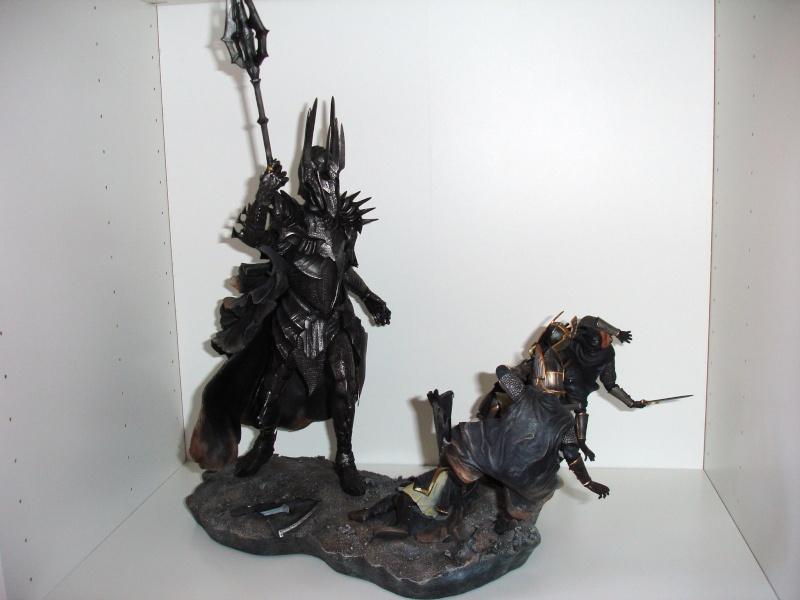CUSTOM d'un diorama , Sauron VS the numenorean army  de chez sideshow. Dsc01212