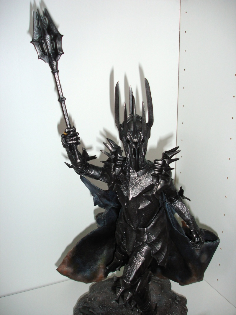 CUSTOM d'un diorama , Sauron VS the numenorean army  de chez sideshow. Dsc01215