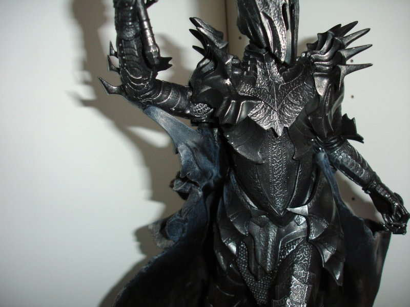 CUSTOM d'un diorama , Sauron VS the numenorean army  de chez sideshow. Dsc01216