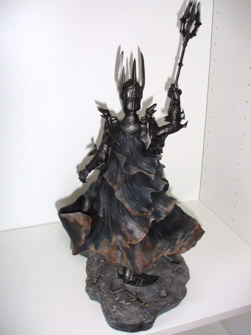 CUSTOM d'un diorama , Sauron VS the numenorean army  de chez sideshow. Dsc01224
