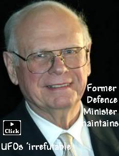 L'ancien Ministre de la Défense du Canada affirme que les Extra-Terrestres existent ! Paulhe10