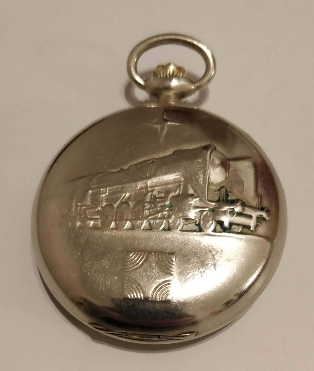 L'histoire des montres de chemins de fers - Page 6 Img_2048