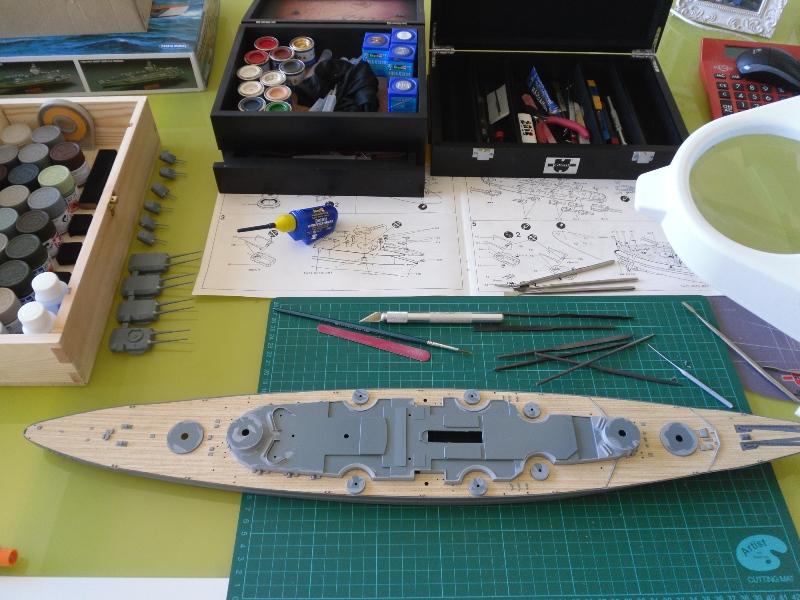 Tirpitz 1/350 Academy Presen16