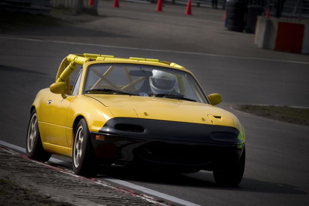 La course auto en Mazda MX-5 - Page 4 Stepha10