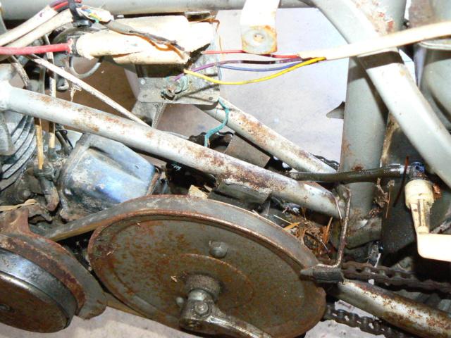 Mobyx  X7VL ( Motobécanne  ) P1190811