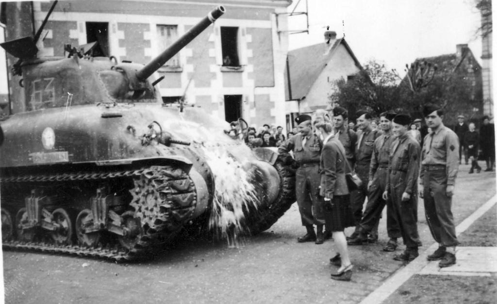 Où ont été prises ces photos de M4A1 du 12ème Cuirs? 2edb_114