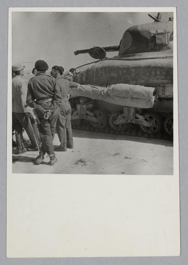 Des Shermans M4A1 à la 1ère CACC en Tunisie? Chieft10