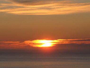 شمس في منتصف الليل 11874211