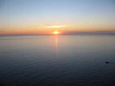 شمس في منتصف الليل 11874213