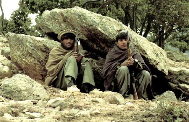Kit/Loadout Taliban / Pashtun / CIA CAG / Insurgente 48170311